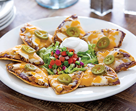 Classic-Nachos-with-chicken