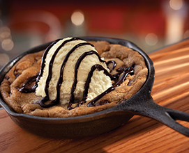Skillet-Chocolate-Chip-Cookie